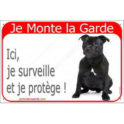 "Staffie noir assis, plaque rouge ""Je Monte la Garde"" 24 cm RED"
