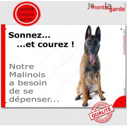 """Malinois assis, plaque humour """"Sonnez et Courez !"""" 24 cm"""