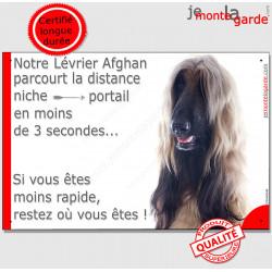 """Lévrier Afghan fauve masque noir, plaque humour """"parcourt distance Niche - Portail moins 3 secondes !"""" Panneau photo drôle"""