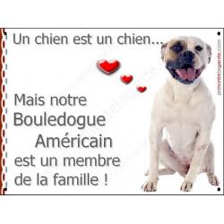 Plaque 16 cm LOVE, Membre de la Famille, Bouledogue Américain Assis